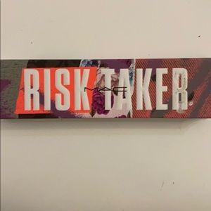 MAC cosmetics Risk Taker palette